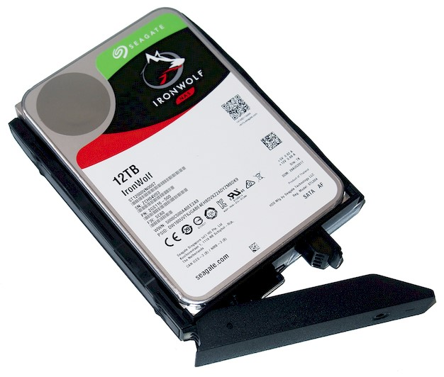 seagate 12 nas assembly 1