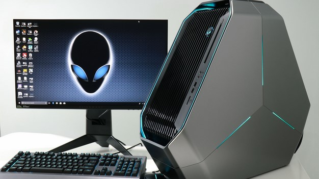 Alienware Area 51 monitor keyboard and mouse