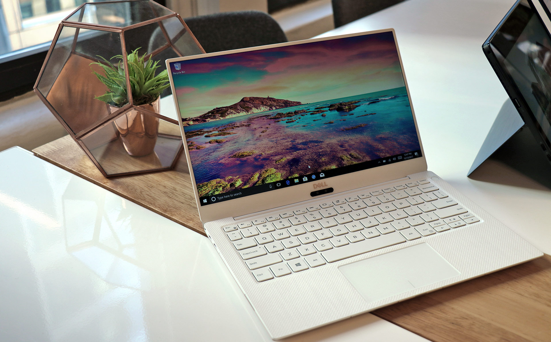 big_dell-xps-13-white-style-shot.jpg