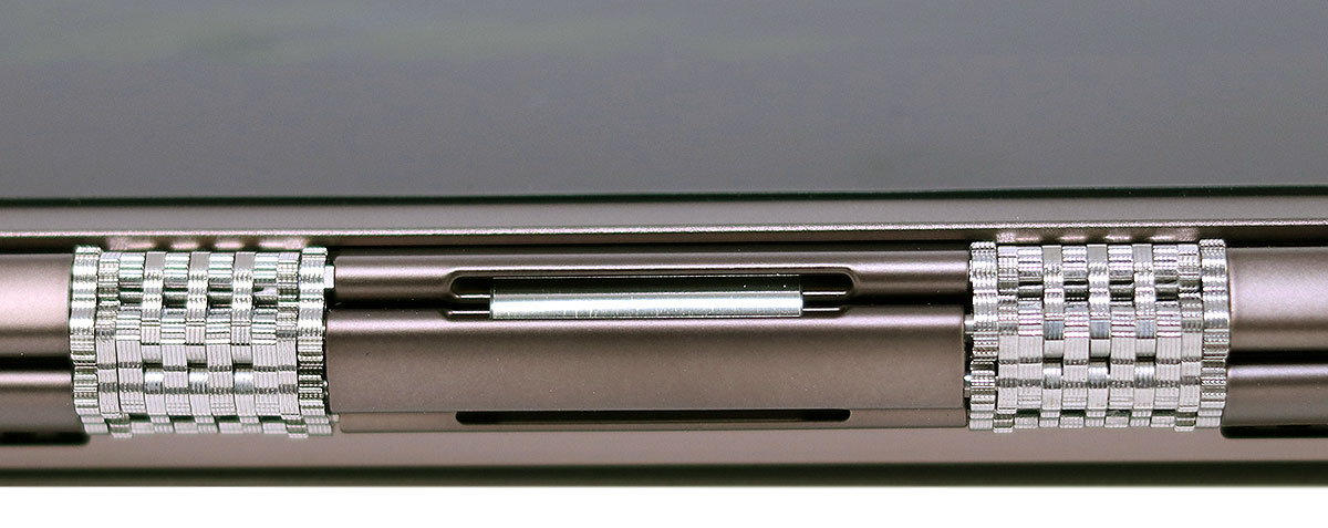 big_lenovo_yoga_920_ribbon1.jpg