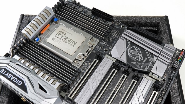 Ryzen Threadripper Gigabyte X399 Designare Motherboard in Socket