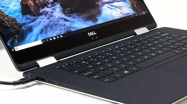 XPS 15 2 in 1 plugged in