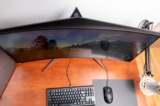 Alienware Area 51 R5 34 Curved Monitor Top
