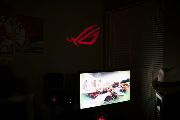 ASUS ROG Swift PG27UQ ROG LED Wall