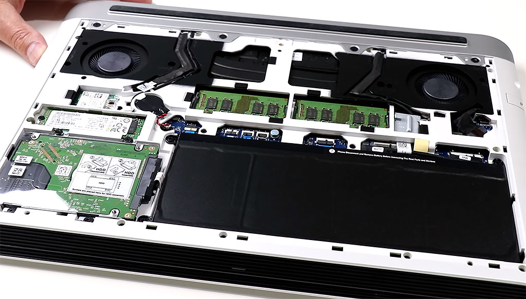 big_dell_g7_inside.jpg
