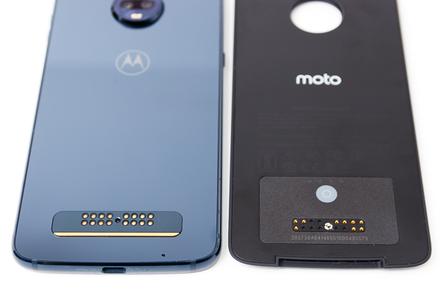 moto z3 play power pack connectors