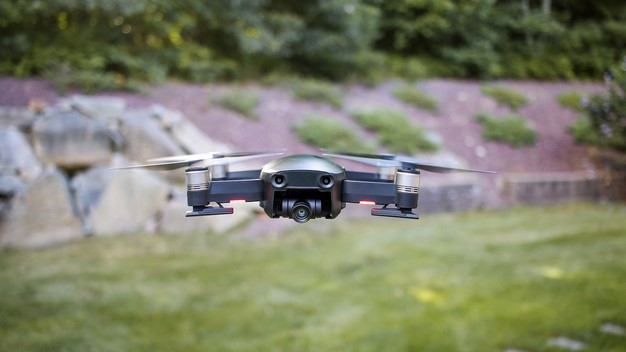 straight on mavic air drone