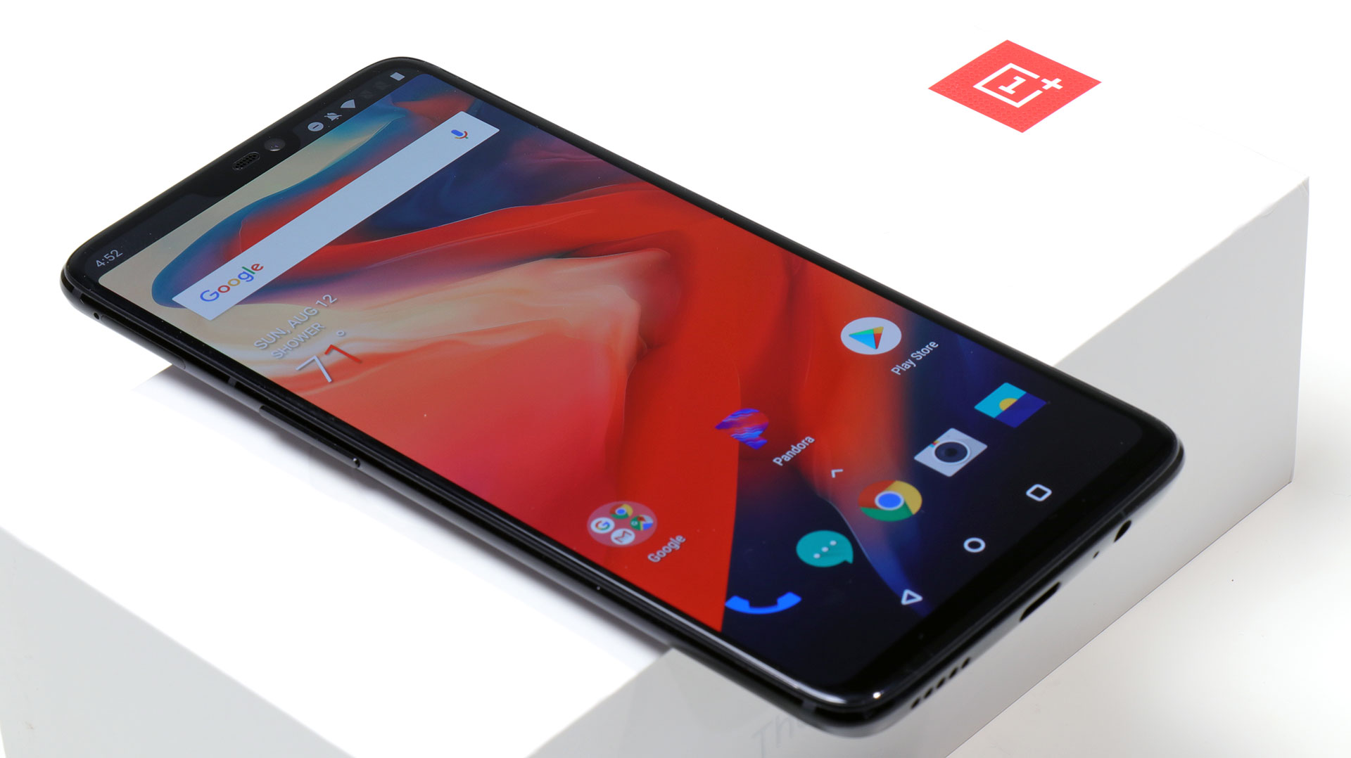 big_front-on-box-oneplus-6.jpg