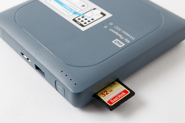 my passport wireless ssd sd half insert