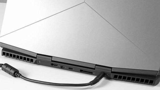 Alienware m15 back ports