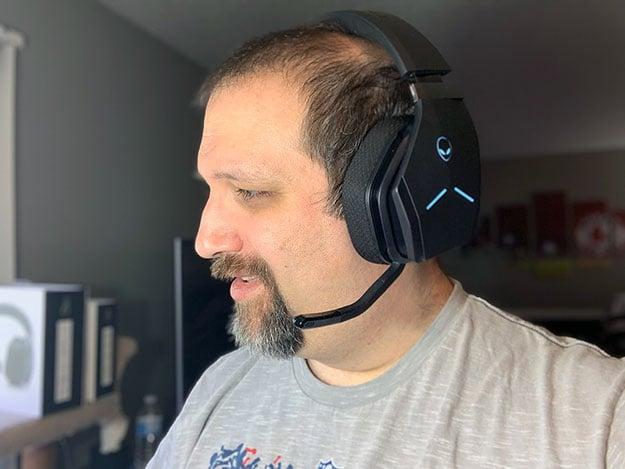 Alienware AW988 Wireless Headset Wearing