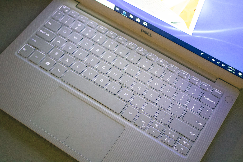 big_dell_xps_13_keyboard_led.jpg