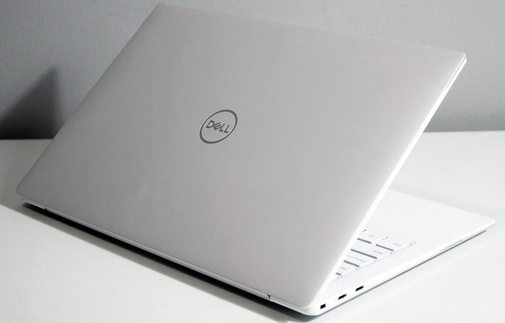big_dell_xps_13_lid.jpg