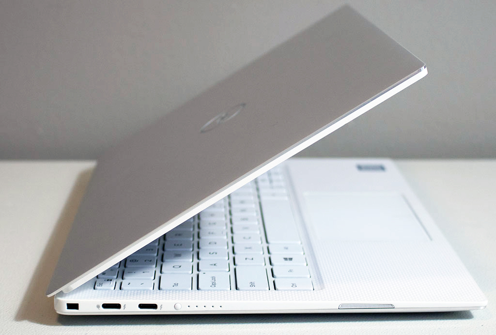 big_dell_xps_13_side_left.jpg