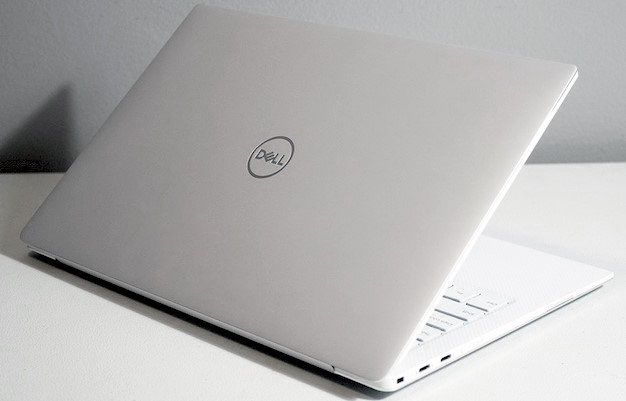 Dell XPS 13 Lid Angled