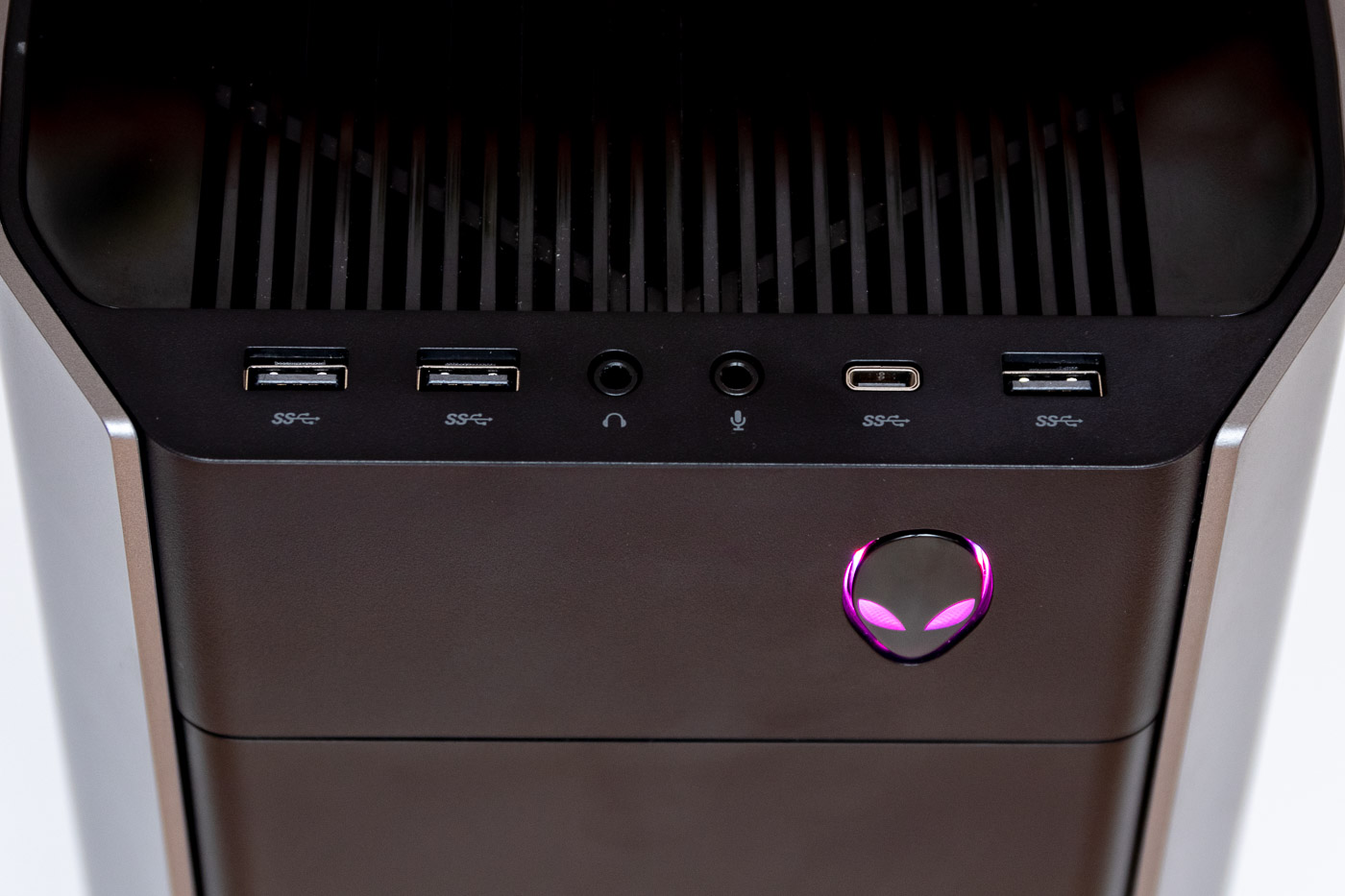 Alienware Aurora R8 Review: A Compact RTX Gaming Powerhouse