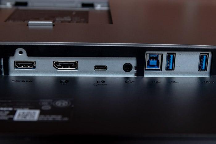 alienware aurora r8 u3219q ports