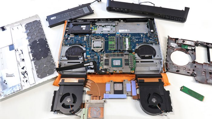 Alienware Area 51m belly of the beast