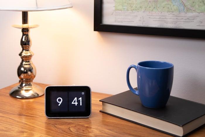 lenovo smart clock google assistant room