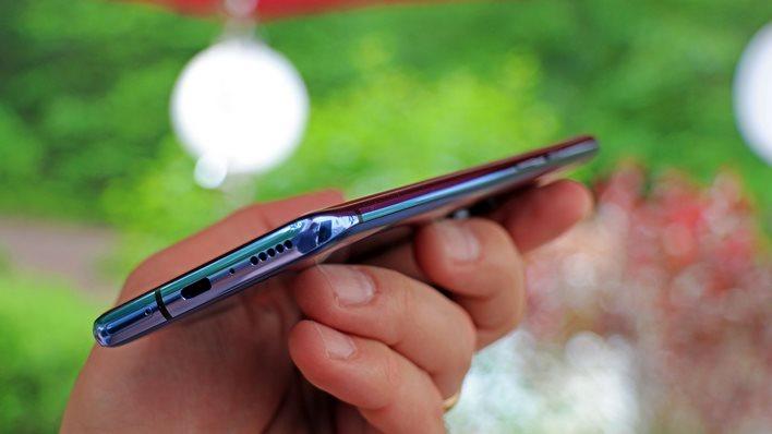 OnePlus 7 Pro bottom edge sim card usbc