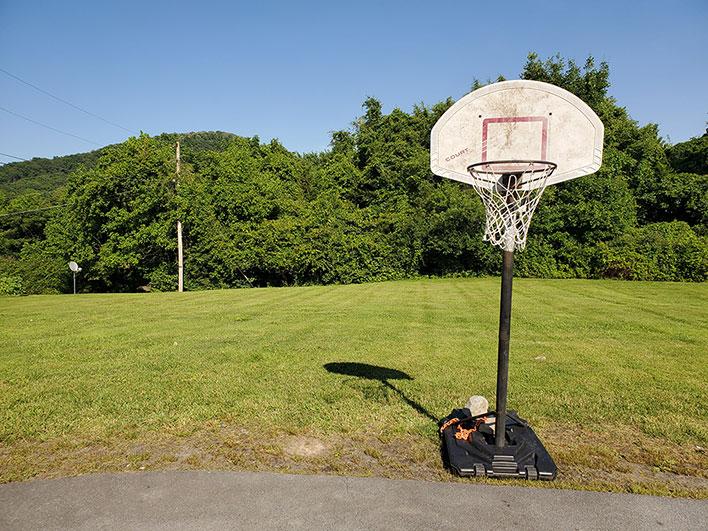 Samsung Galaxy S10e Basketball Hoop