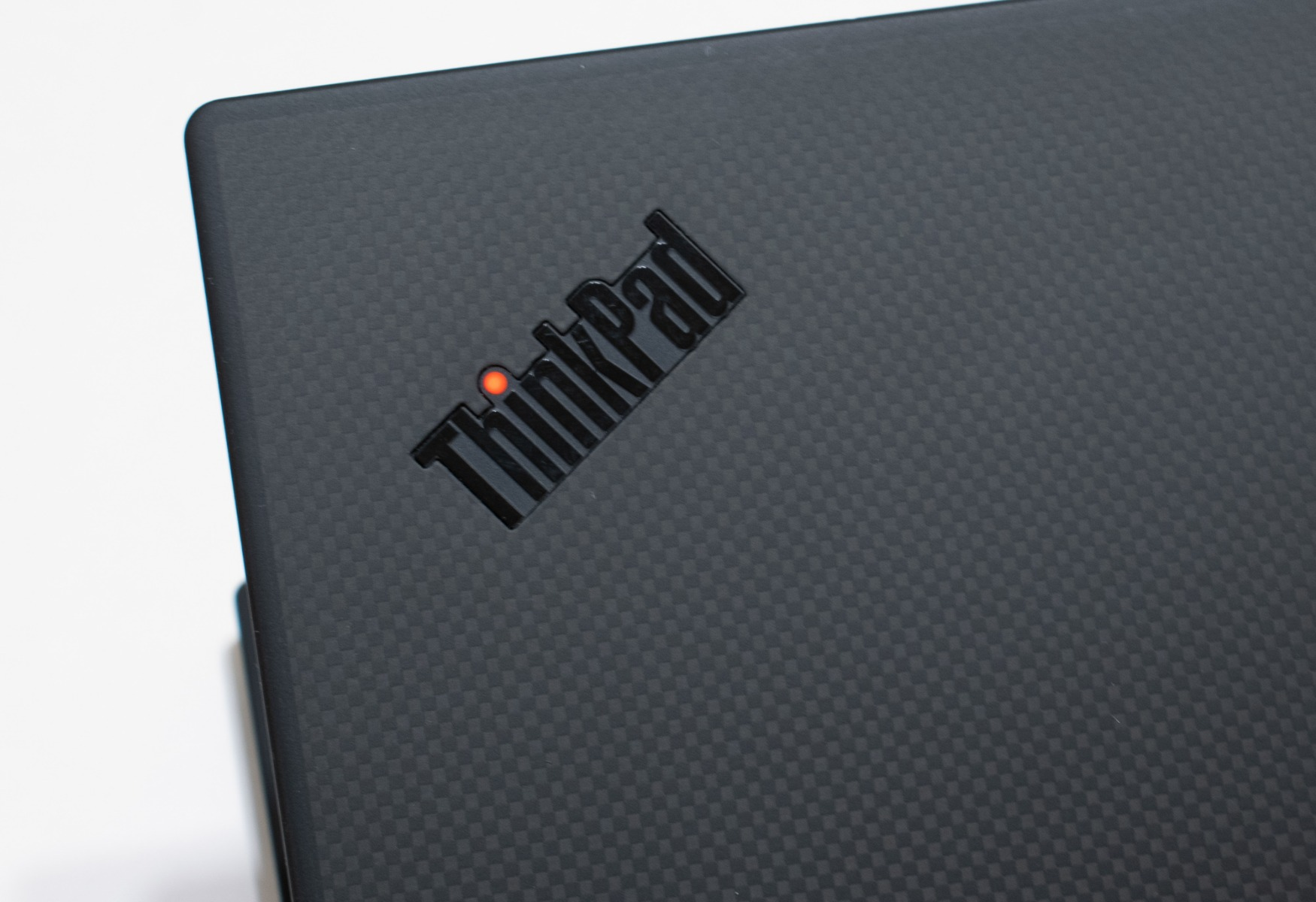 ThinkPad X1 Carbon Review: Lenovo's 7th Gen Flagship Impresses