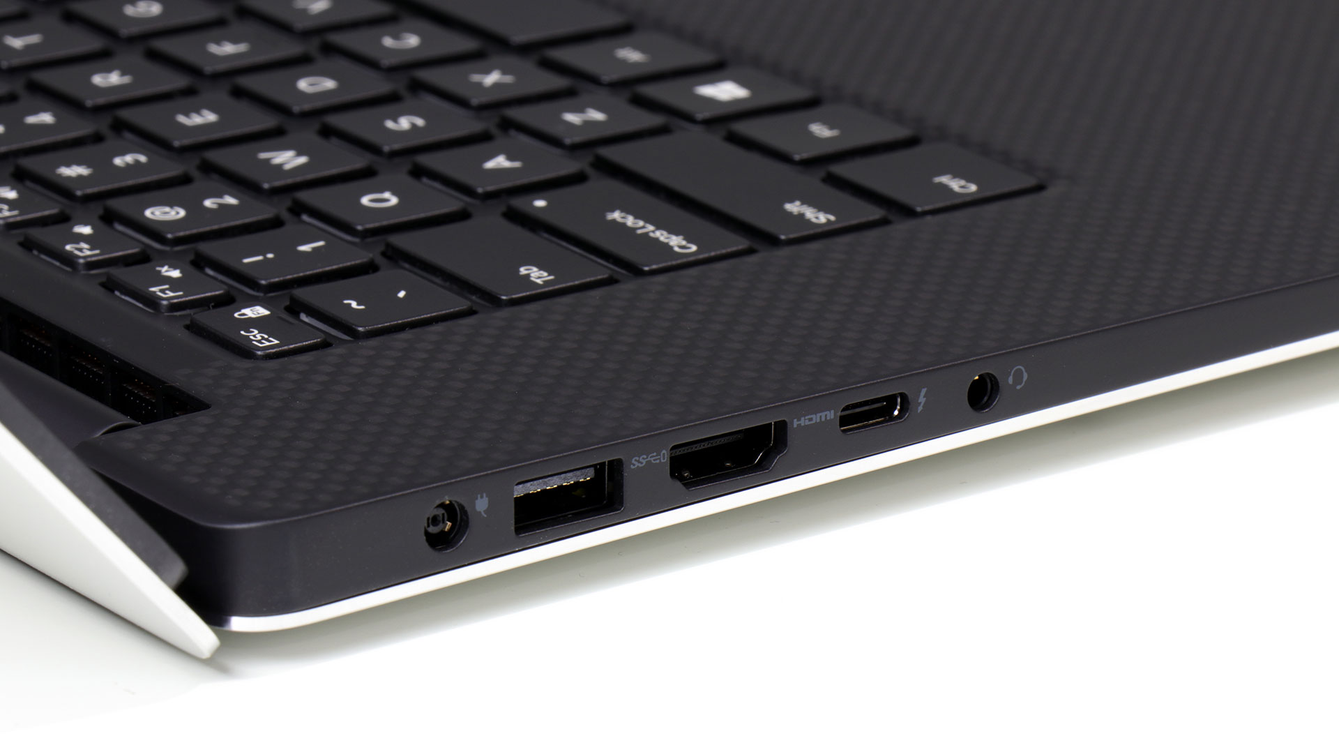 big_dell-xps-15-back-corner-ports.jpg