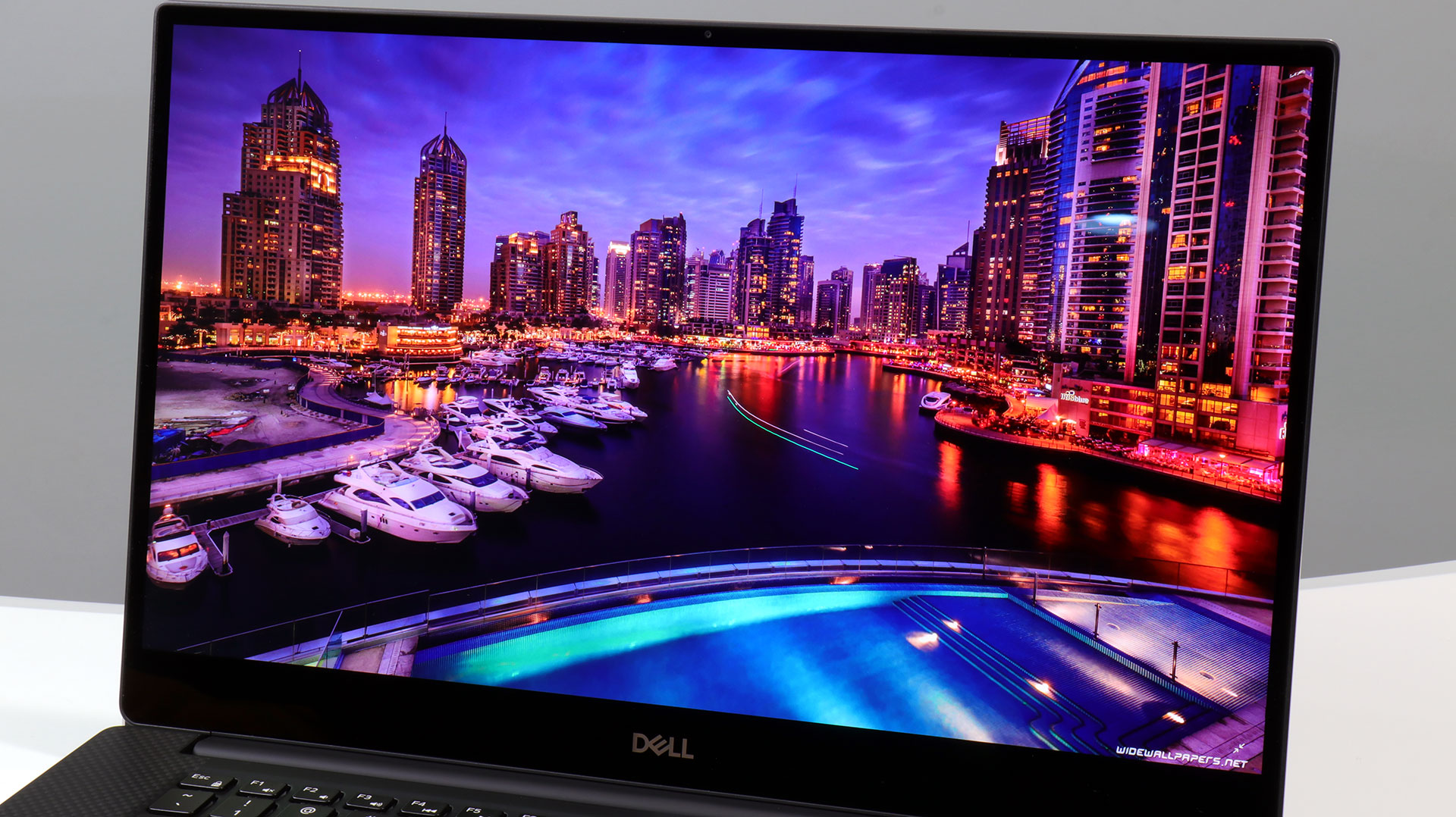 big_dell-xps-15-infinity-edge-display.jpg