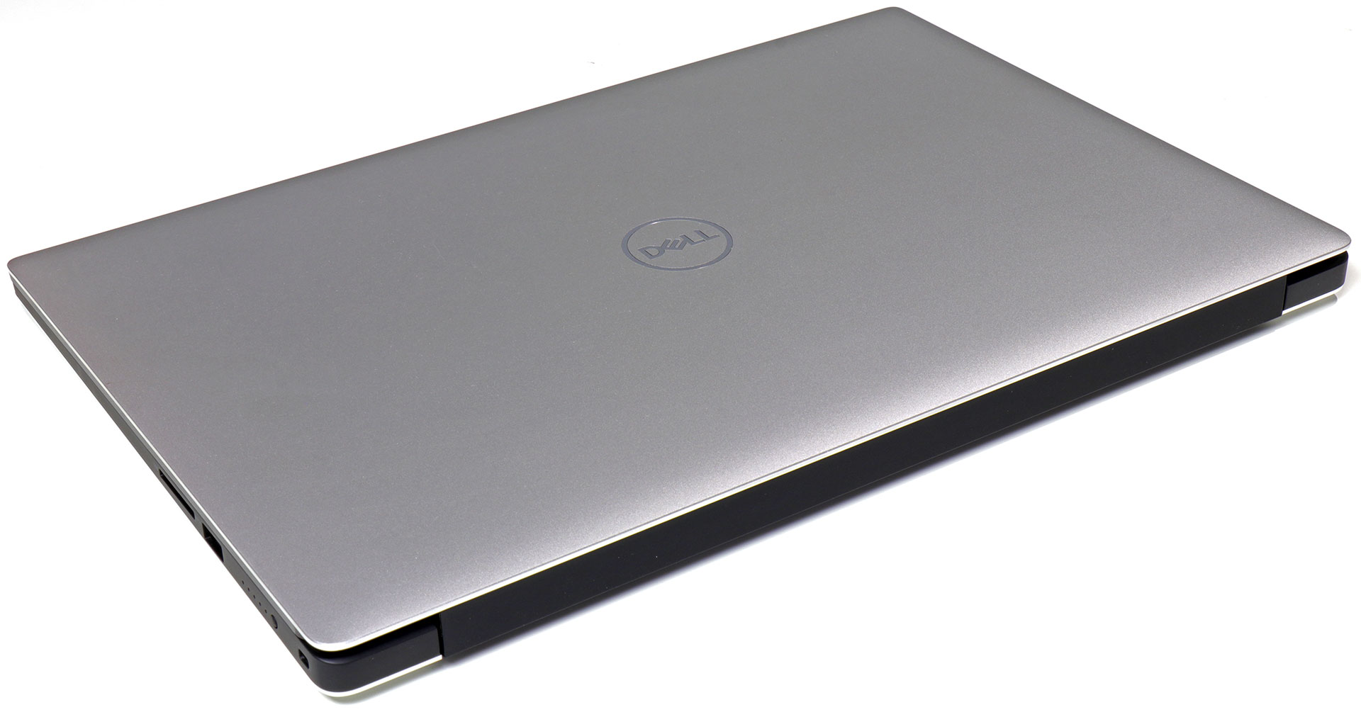 big_dell-xps-15-top-back-edge.jpg
