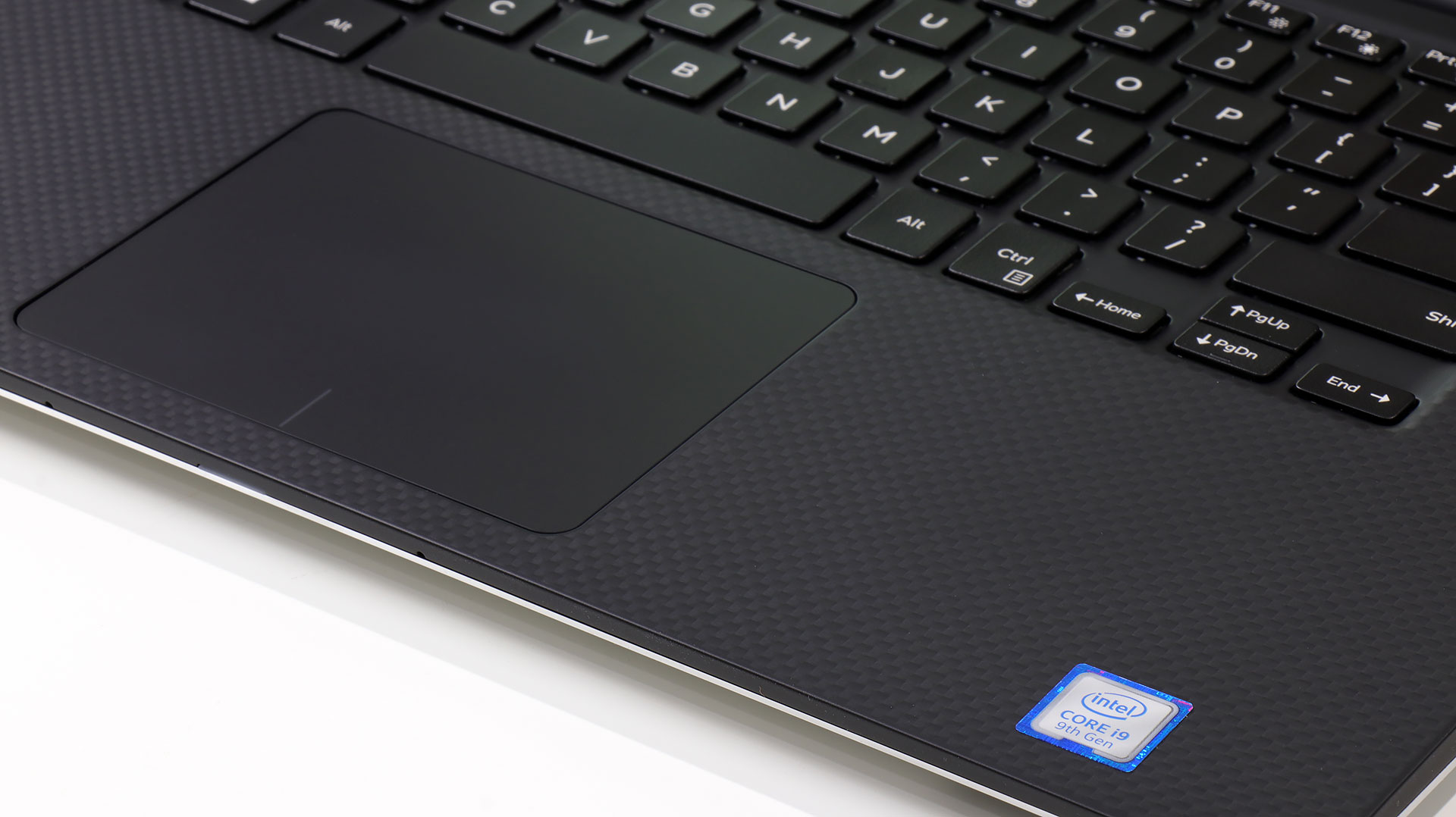big_xps-15-trackpad-intel-badge.jpg