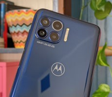 Moto One 5G Review: Killer Battery Life, Lackluster Cameras