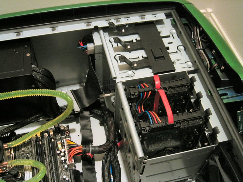 big_alienware51_7500_in2.jpg