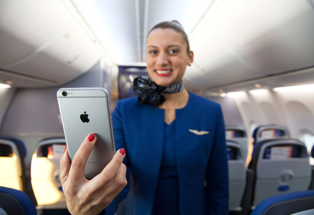 United Airlines will have iPhones in 2015