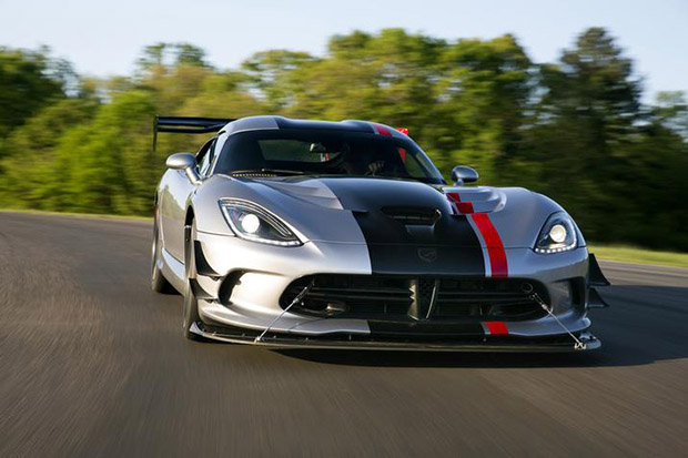 2016 Dodge Viper ACR Steps Out With 600 Pound-Feet Of Neck-Snapping ...
