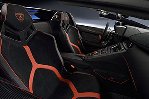 Lamborghini Aventador LP750-4 SV Roadster Seats