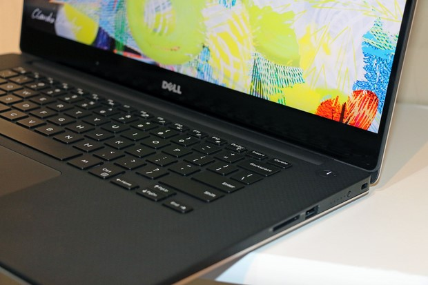 Dell XPS 15 Side