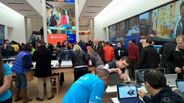 take a tour of microsoft s flagship 5th ave store in new york city