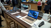 microsoft store tour front 8