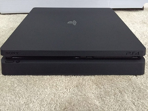 PlayStation 4 Slim front