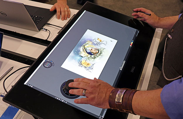 Dell Canvas in action