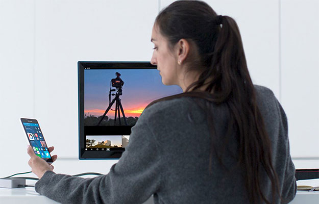 woman using windows phone