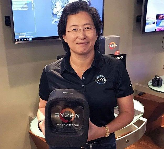 AMD CEO Lisa Su With Threadripper Box