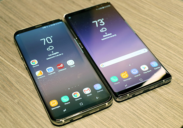 note 8 side by side