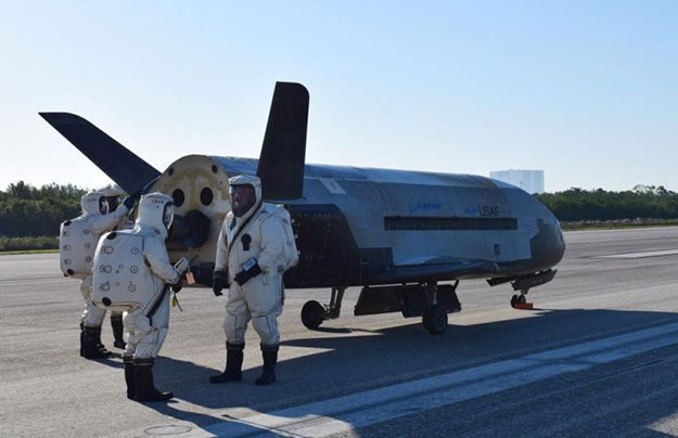 air force x 37b side shot