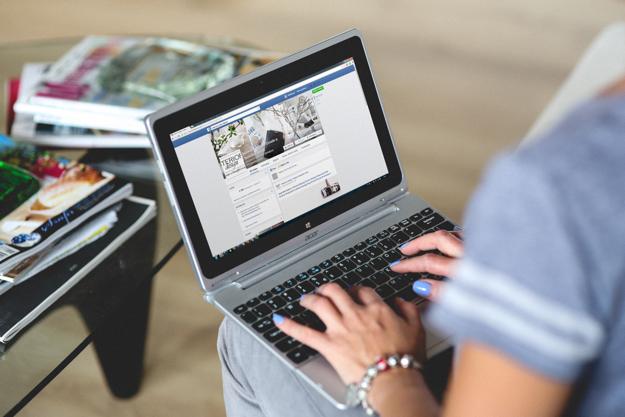 facebook laptop