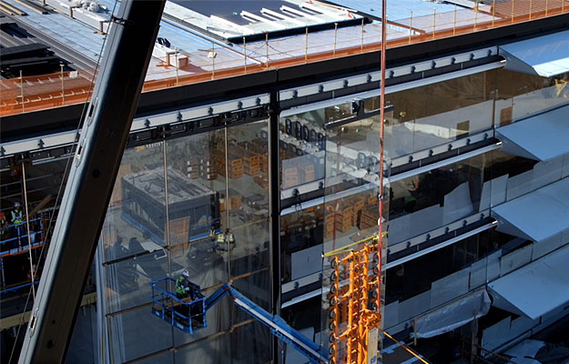 Apple employees are walking into the 'spaceship campus' glass walls