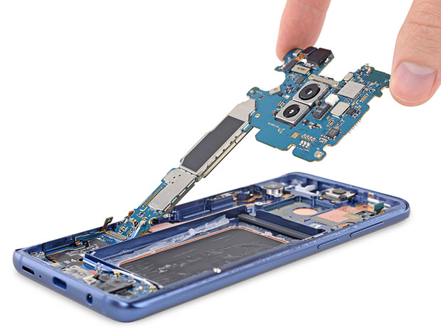 Samsung Galaxy S9 Motherboard Removal