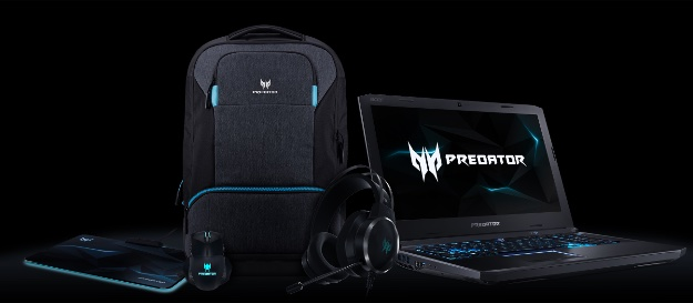 Predator Helios 500 with%20accessories