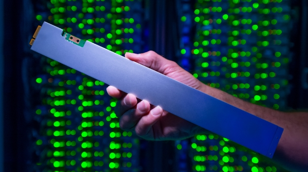 intel ruler SSD