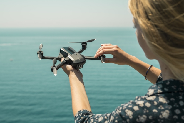 Yuneec Mantis Q Drone Take On DJI With 4K, Voice Control And